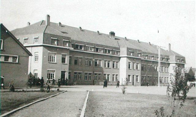 Sint-Kruis dans les années 60...   - Page 3 Casern11