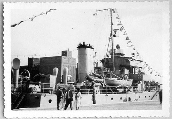 Des navires de la ZM-FN à Bruxelles en 1958 Forcen13
