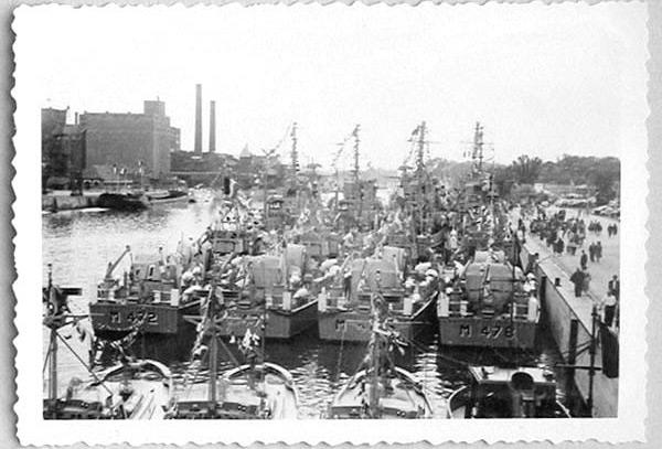 Des navires de la ZM-FN à Bruxelles en 1958 Forcen14