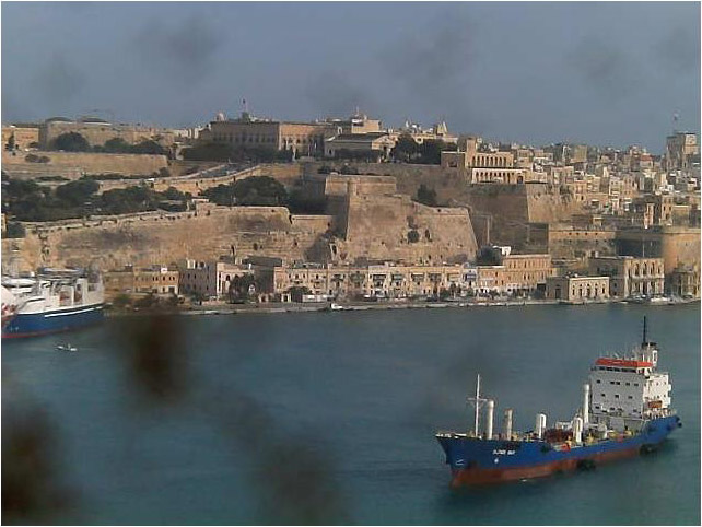Photos en live des ports dans le monde (webcam) Malta_10