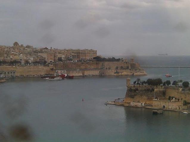 Photos en live des ports dans le monde (webcam) - Page 2 Malta_11