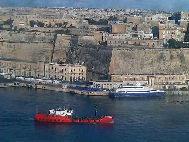 Photos en live des ports dans le monde (webcam) - Page 2 Malta_12