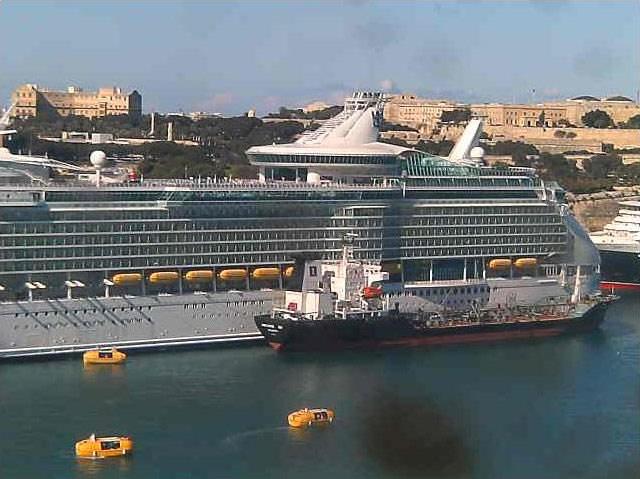 Photos en live des ports dans le monde (webcam) - Page 3 Malta_13