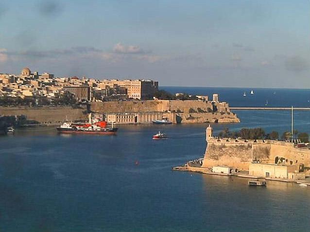 Photos en live des ports dans le monde (webcam) - Page 3 Malta_14