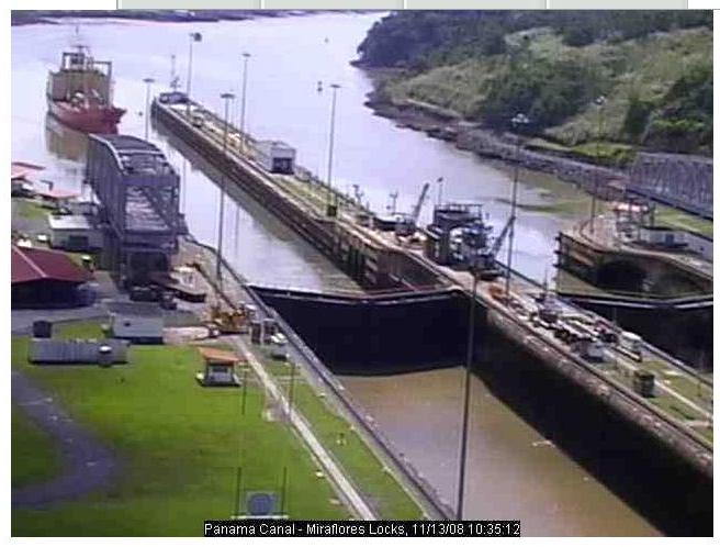 Photos en live des ports dans le monde (webcam) - Page 3 Panama15