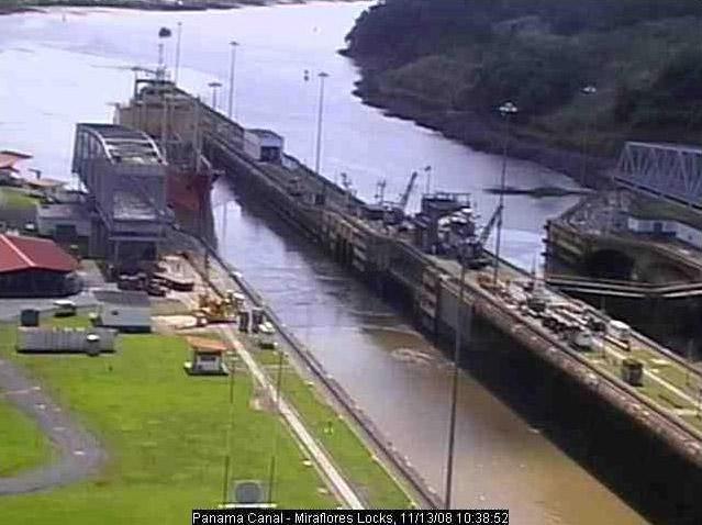 Photos en live des ports dans le monde (webcam) - Page 3 Panama17