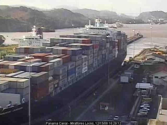 Photos en live des ports dans le monde (webcam) - Page 4 Panama36