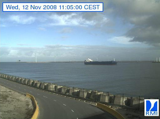 Photos en direct du port de Zeebrugge (webcam) - Page 2 Zeebru27