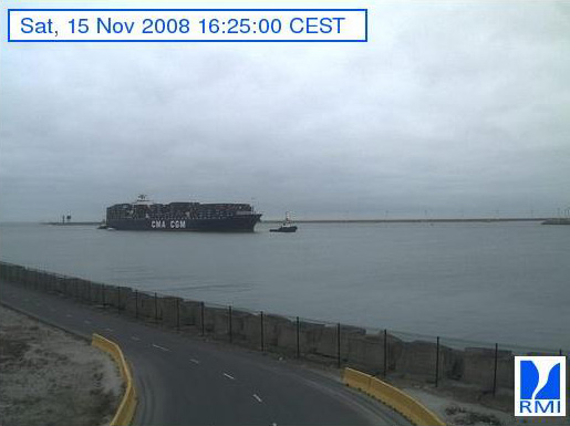 Photos en direct du port de Zeebrugge (webcam) - Page 2 Zeebru32