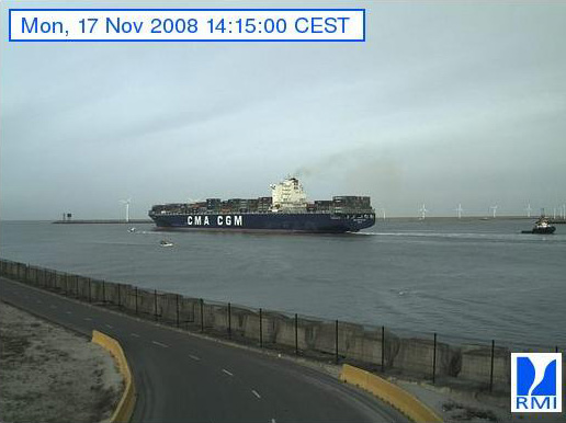 Photos en direct du port de Zeebrugge (webcam) - Page 3 Zeebru35