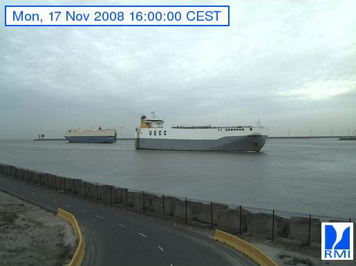Photos en direct du port de Zeebrugge (webcam) - Page 3 Zeebru36