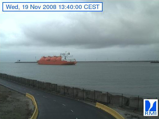 Photos en direct du port de Zeebrugge (webcam) - Page 3 Zeebru40