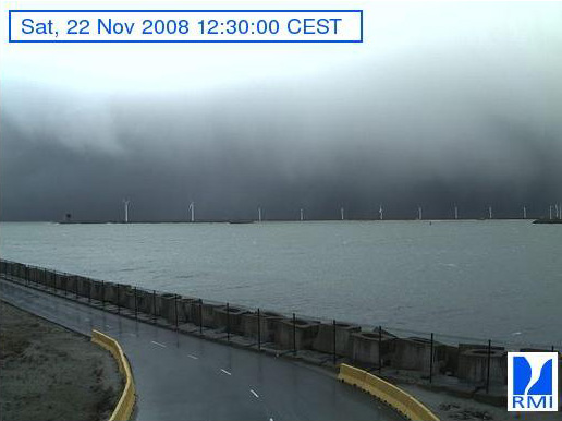 Photos en direct du port de Zeebrugge (webcam) - Page 3 Zeebru43