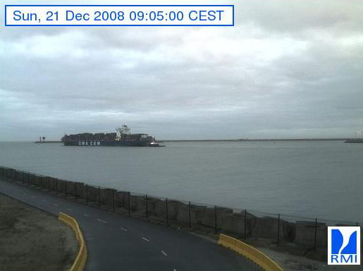 Photos en direct du port de Zeebrugge (webcam) - Page 5 Zeebru74