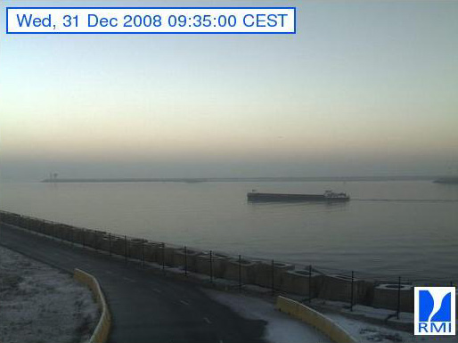 Photos en direct du port de Zeebrugge (webcam) - Page 6 Zeebru83