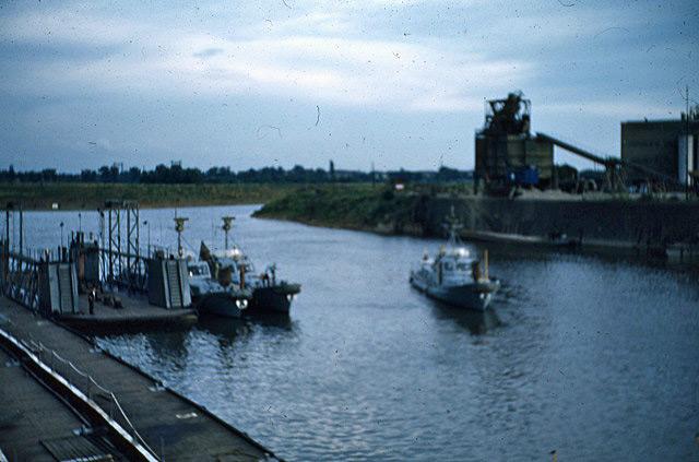 La Flottille du Rhin Zm_car42