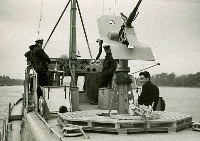 La Flottille du Rhin - Page 4 Zm_car48
