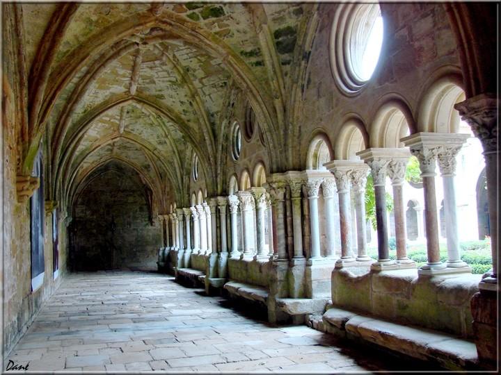 abbaye de Fontfroide dans l'Hérault 1_font11