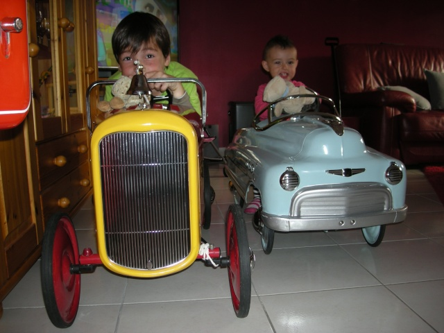 Voitures à pédales - Pedal's car - Page 2 Dscn4317