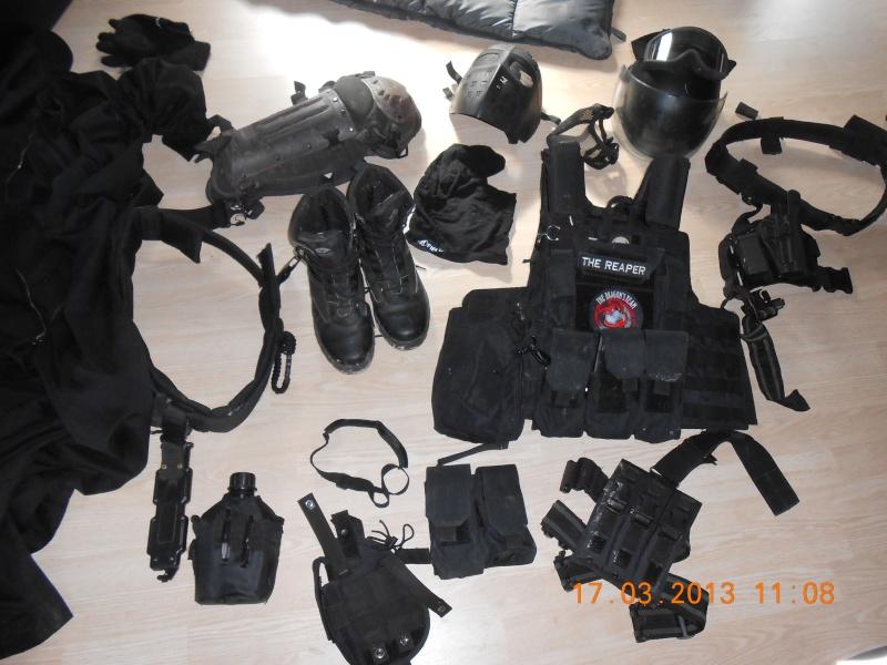 a vendre  tenue swat complete  ( matos vendu ) Dscn0310