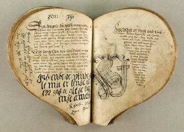 [manuscrits] forme de Coeur et Fleur de Lys  Thott_10