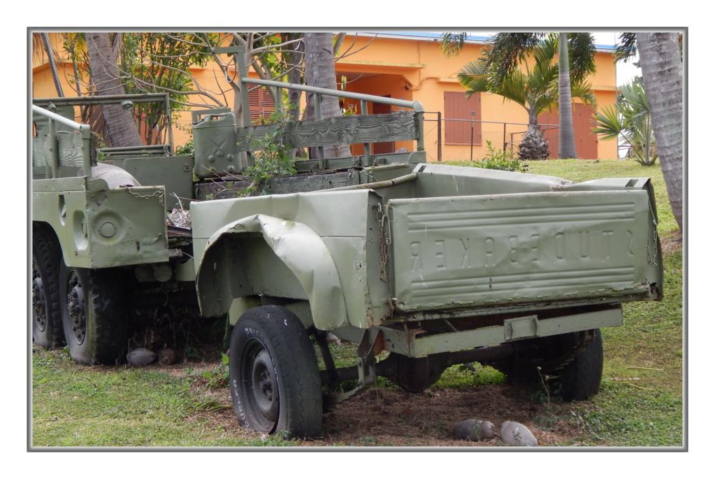 Quelques véhicules Américains  (d'époque ?) en N-C Dscn4114