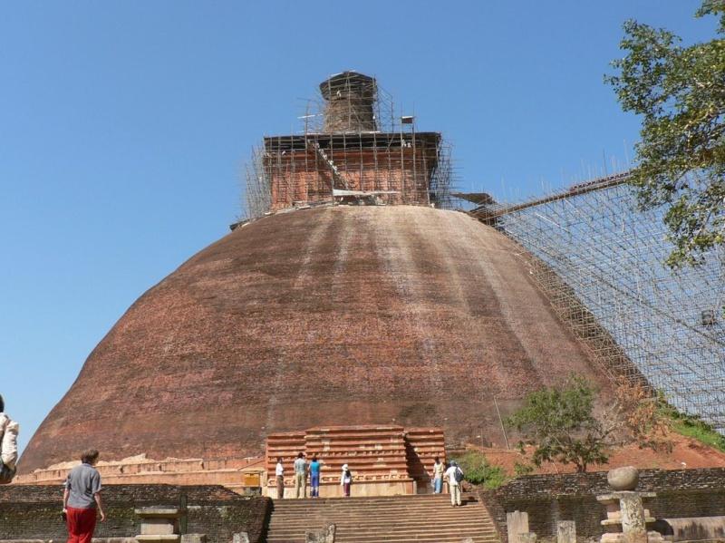 [SRI LANKA] - Dagoba de Jetavanarama à Anuradhapura  0111