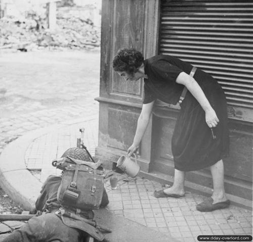 Lisieux 22 août 1944 Lisieu10