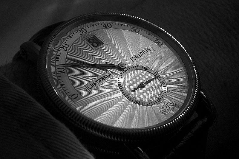 [vintage] Les montres bracelets à heures sautantes - Page 2 Delphi10