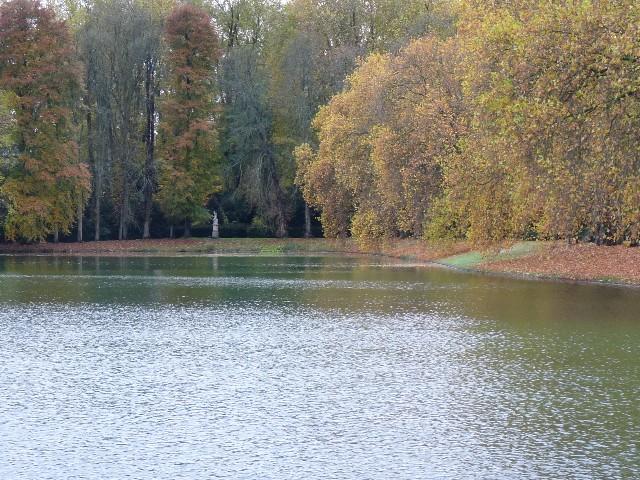 Promenade dans les jardins de Fontainebleau 10110
