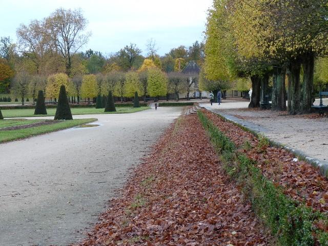 Promenade dans les jardins de Fontainebleau 16110