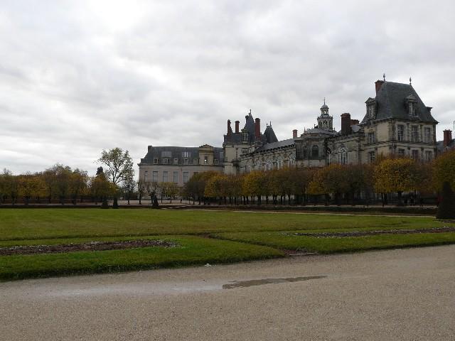 Promenade dans les jardins de Fontainebleau 17110