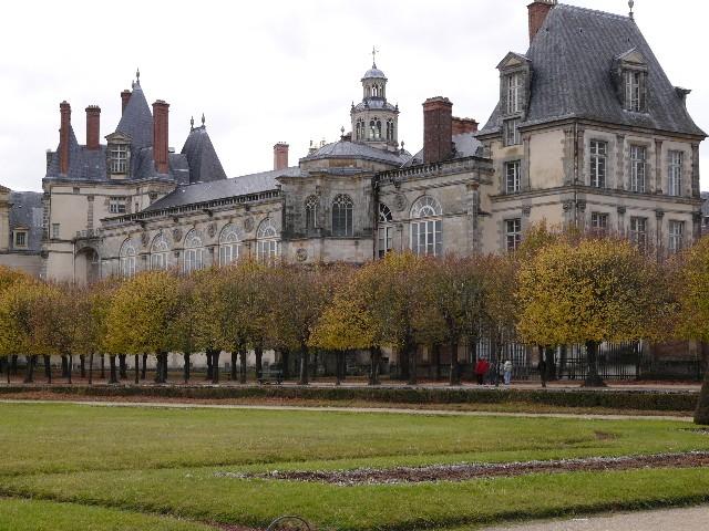 Promenade dans les jardins de Fontainebleau 18110