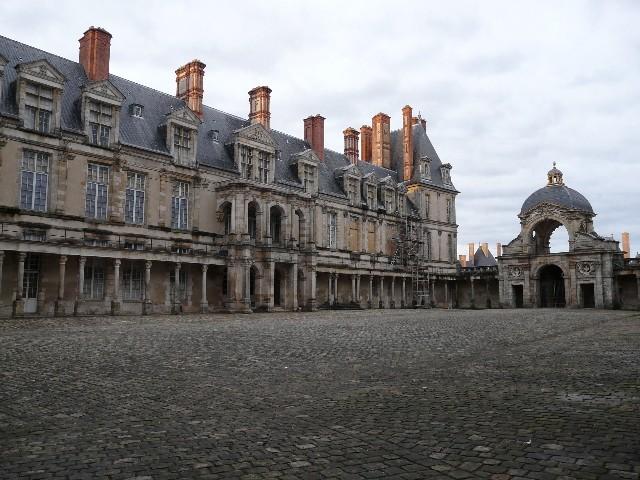 Promenade dans les jardins de Fontainebleau 24110