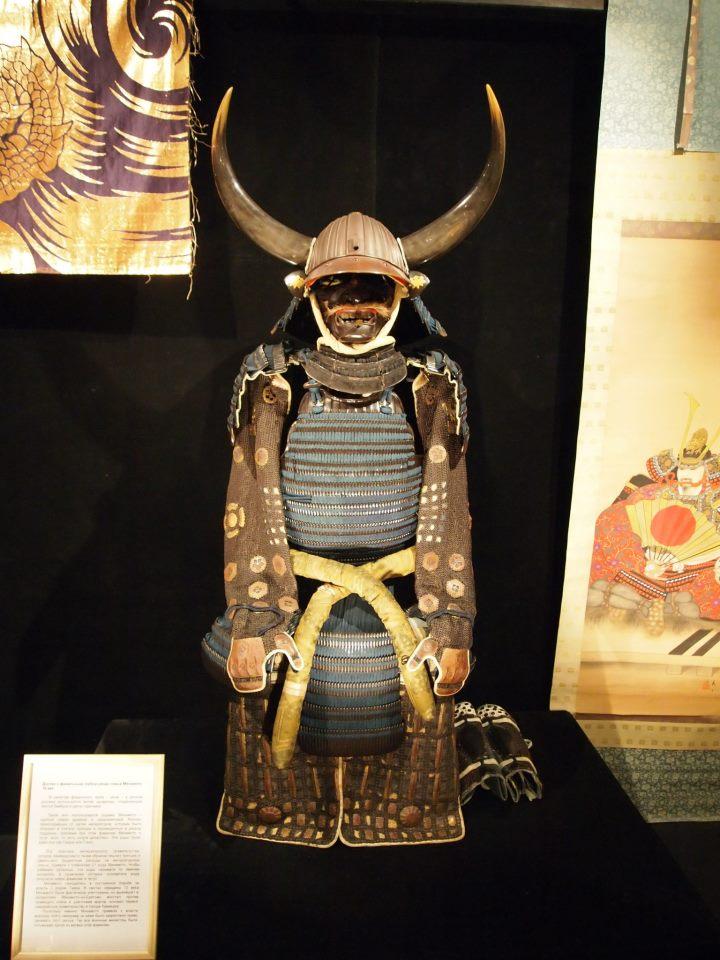 Exposition à Kiev: armures samourai (photos) 48503810