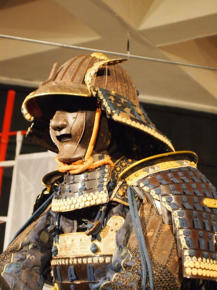 Exposition à Kiev: armures samourai (photos) 54270210