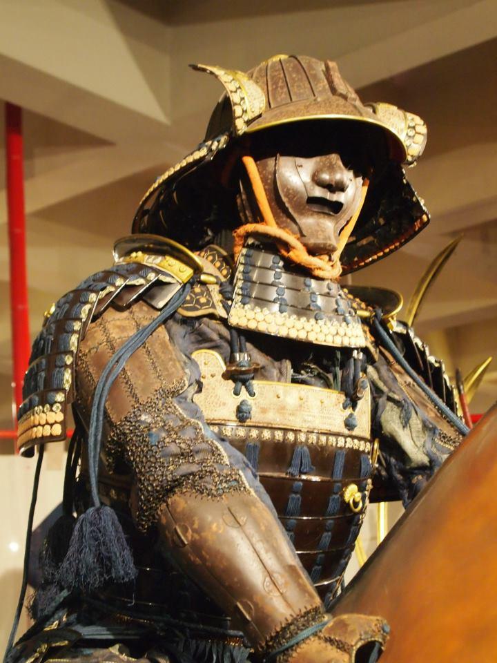 Exposition à Kiev: armures samourai (photos) 56353410