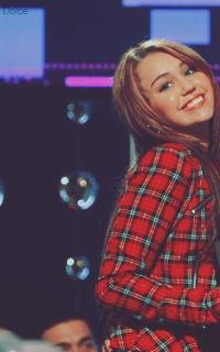 Mia Delilah Sanders ; Scénarios | Shia Labeouf & Miley Cyrus [2/2] Miley610