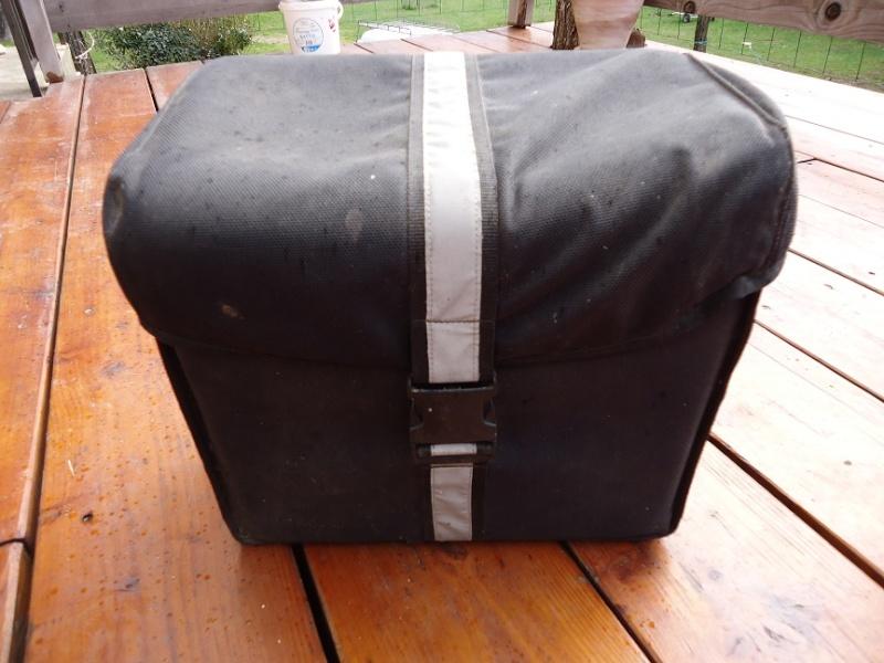 ( trouvé ) cherche sacoches souples Dsc01410