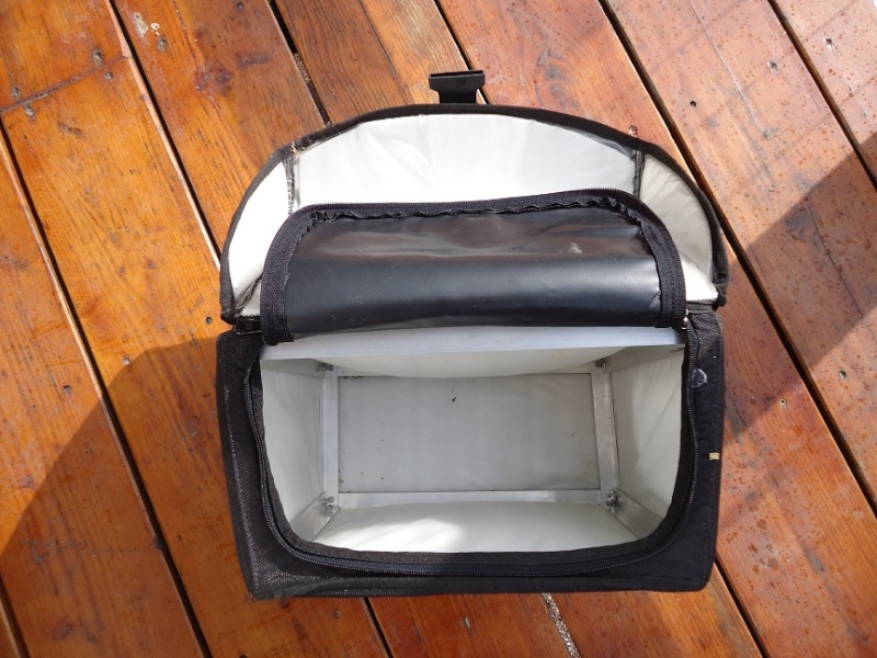 ( trouvé ) cherche sacoches souples Dsc01413