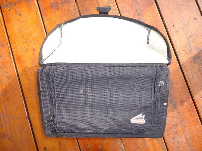 ( trouvé ) cherche sacoches souples Dsc01414