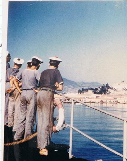 [Les traditions dans la Marine] Tenue dans la Marine- Tome 01 - Page 21 1957_t10