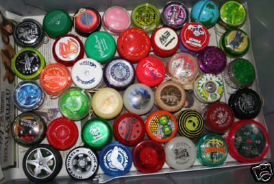 [CONCLUSA NON PARTEC.] ebay  300283287105 Lot of over 170 Yoyo s Some old, some new, Duncan etc scad.  Jan-03-09 17:01:50 PST A982_110