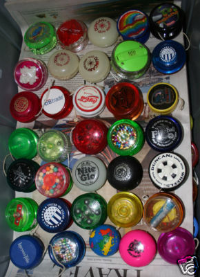 [CONCLUSA NON PARTEC.] ebay  300283287105 Lot of over 170 Yoyo s Some old, some new, Duncan etc scad.  Jan-03-09 17:01:50 PST Aa21_110