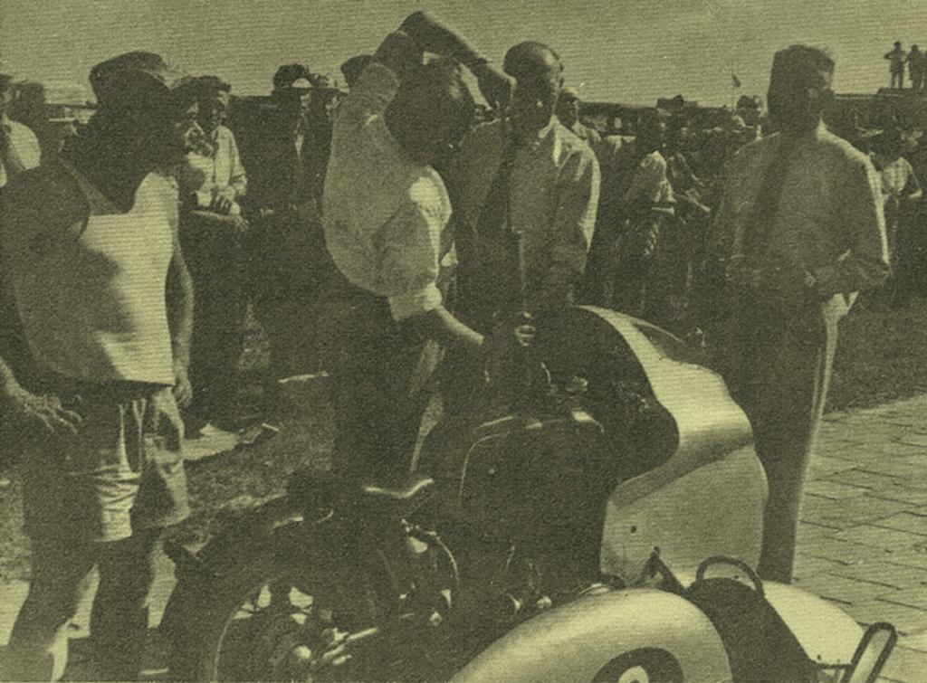 BMW RS54 : Une Histoire. - Page 7 1955_511