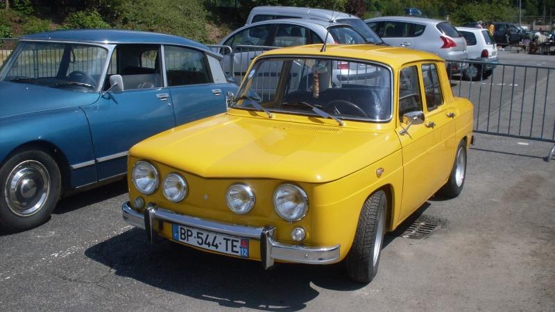 un petit rassemblement voitures anciennes en aveyron le 10 aout  Sdc18414