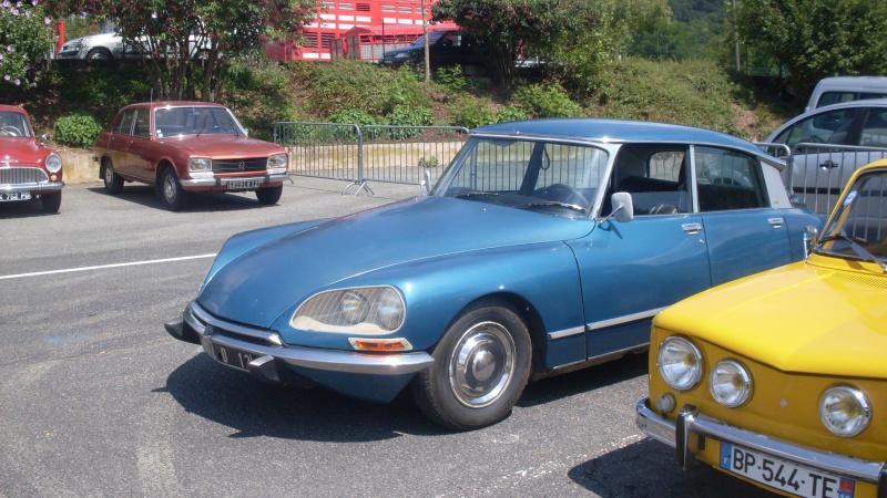 un petit rassemblement voitures anciennes en aveyron le 10 aout  Sdc18415