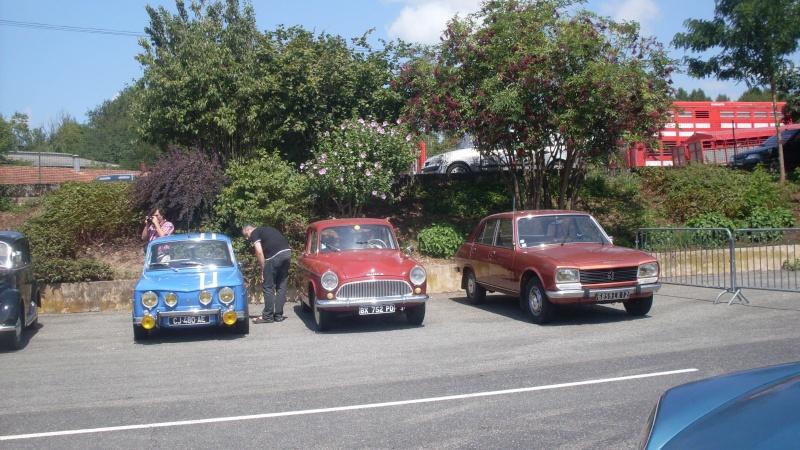 un petit rassemblement voitures anciennes en aveyron le 10 aout  Sdc18417