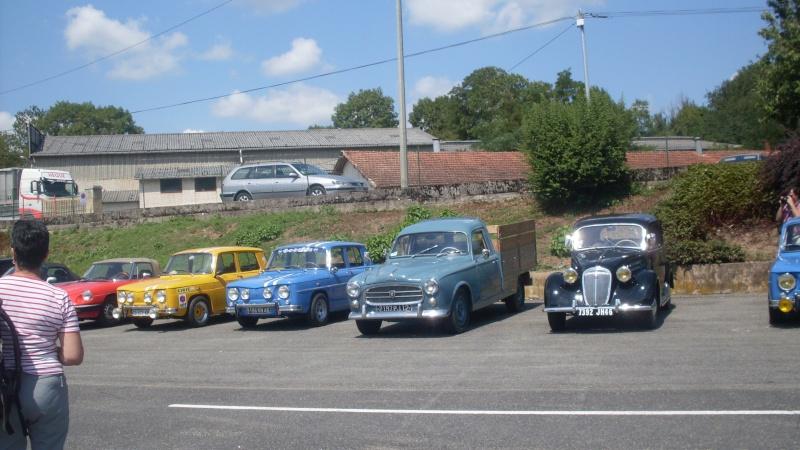un petit rassemblement voitures anciennes en aveyron le 10 aout  Sdc18418