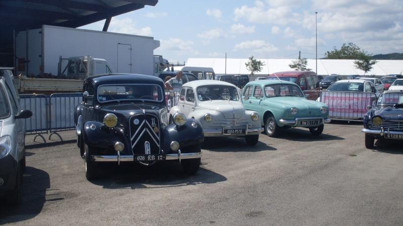 un petit rassemblement voitures anciennes en aveyron le 10 aout  Sdc18419